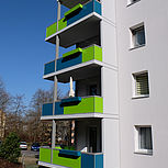 Beton-Eckbalkon blau grün