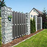 Gabionensäulen 2000x500x300 mm in Kombination mit Sichtschutzwänden aus Aluminium