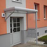 Aluminiumdach als Hauseingangsüberdachung