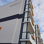 Balkonerweiterung rechteckig mit Verbundsicherheitsglas an einem Mehrfamilienhaus