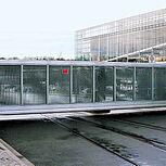 Freitragendes Schiebetor Typ Powertec 13,5x2,5m mit Sonderfüllung